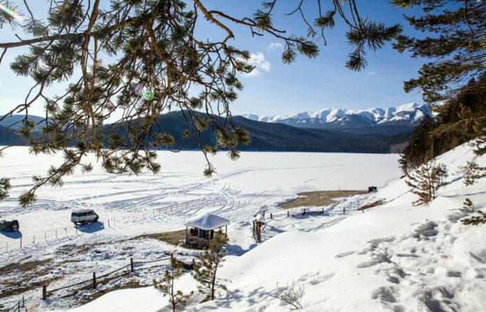 Chivyrkuisky bay winter snow