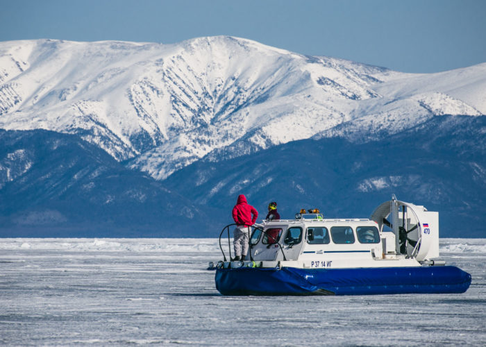 two people staying on the hivus tour baikal lake